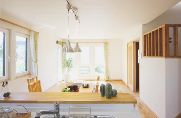盛岡市月が丘│和×なちゅらるな家のキッチン