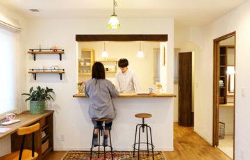 滝沢市葉の木沢山│コーギーと暮らすあったかお家カフェのダイニングキッチン