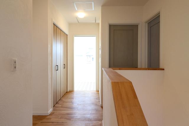 盛岡市東緑が丘│アースカラーの北欧インテリアで丁寧に暮らしを紡ぐ家