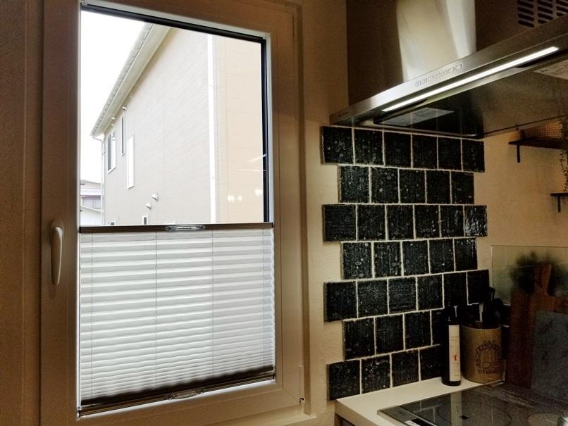 ドレーキップ窓用カーテンスクリーン (3)