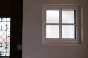 トリプルガラスの窓格子(1)