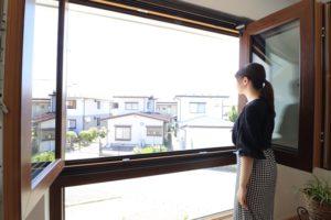 バルコニーのように全開放する高窓(6)