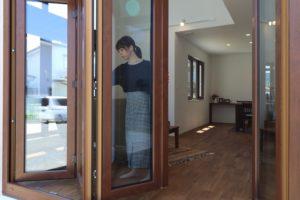大きく開く窓(6)