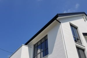 家の窓の奥行:大共ホーム