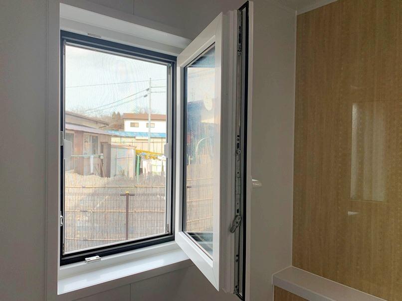 浴室にドレーキップ窓 (3)