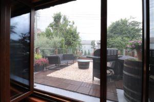大きな窓の網戸 (2)