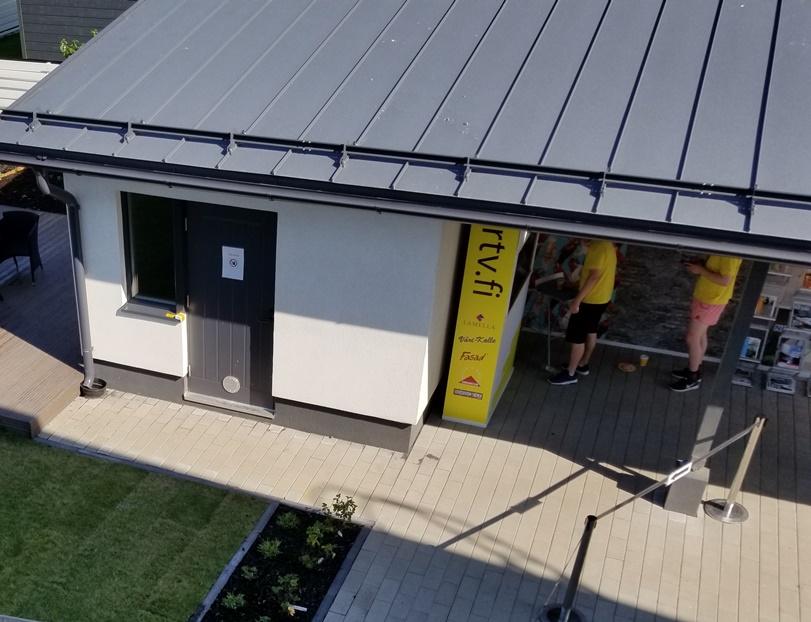 北欧の家のガレージスタイル (3)