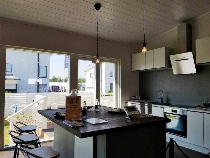 北欧住宅のキッチン (6)