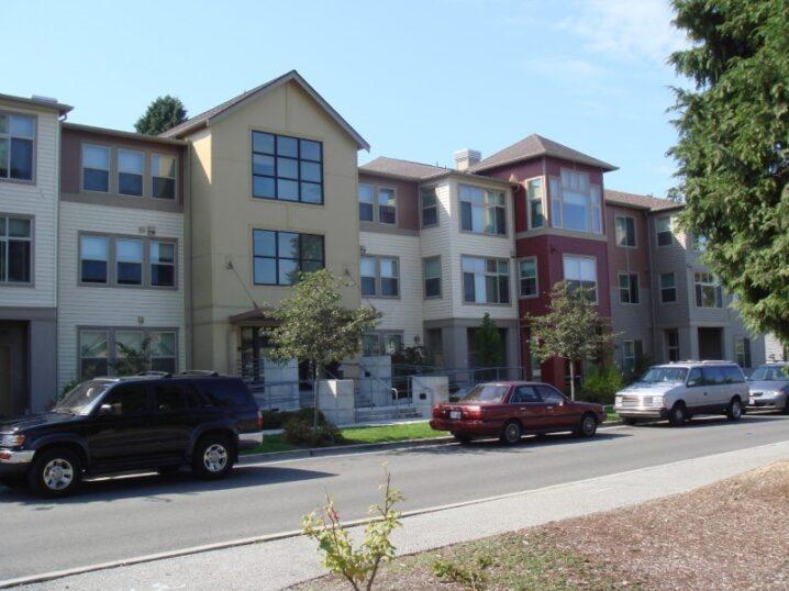 3階建て木造共同住宅 (2)
