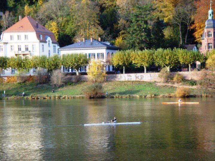 北欧の視界 (2)川沿いにある住宅地での暮らし